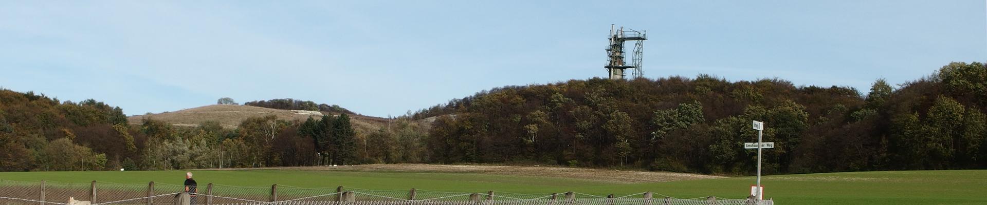 Verkehrsberuhigte Hanglage mit Sicht auf den Teutoburger Wald, direkt aus unserer Ferienwohnung.
